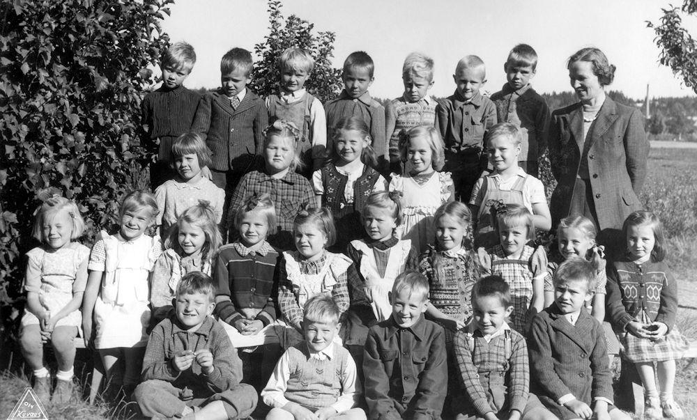 Harjulan koulun 1 lk syksyk 1949